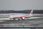 ぼのさんが、新千歳空港で撮影した航空自衛隊 777-3SB/ERの航空フォト(飛行機 写真・画像)