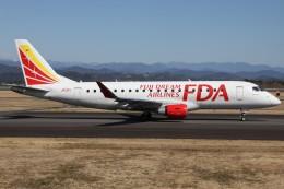 もにーさんが、静岡空港で撮影したフジドリームエアラインズ ERJ-170-200 (ERJ-175STD)の航空フォト(飛行機 写真・画像)