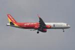 kuro2059さんが、ノイバイ国際空港で撮影したベトジェットエア A321-211の航空フォト(飛行機 写真・画像)