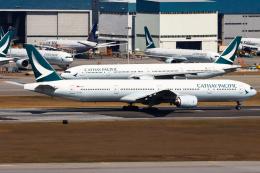 Henry Chowさんが、香港国際空港で撮影したキャセイパシフィック航空 777-31Hの航空フォト(飛行機 写真・画像)