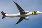 Henry Chowさんが、香港国際空港で撮影したTAPポルトガル航空 A330-900の航空フォト(飛行機 写真・画像)