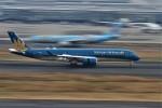 てーとくさんが、羽田空港で撮影したベトナム航空 A350-941XWBの航空フォト(飛行機 写真・画像)