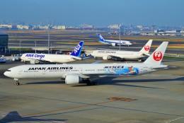 ちっとろむさんが、羽田空港で撮影した日本航空 777-346/ERの航空フォト(飛行機 写真・画像)