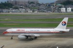 Mr.boneさんが、福岡空港で撮影した中国東方航空 A320-232の航空フォト(飛行機 写真・画像)
