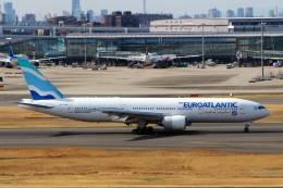 jk3yhgさんが、羽田空港で撮影したユーロアトランティック・エアウェイズ 777-212/ERの航空フォト(飛行機 写真・画像)