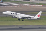 yosshii321さんが、福岡空港で撮影したジェイ・エア ERJ-190-100(ERJ-190STD)の航空フォト(飛行機 写真・画像)