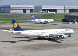 銀苺さんが、羽田空港で撮影したルフトハンザドイツ航空 A340-642の航空フォト(飛行機 写真・画像)