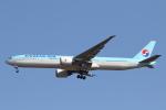 安芸あすかさんが、成田国際空港で撮影した大韓航空 777-3B5/ERの航空フォト(飛行機 写真・画像)