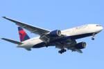imosaさんが、羽田空港で撮影したデルタ航空 777-232/ERの航空フォト(飛行機 写真・画像)