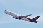 mild lifeさんが、関西国際空港で撮影したUPS航空 767-34AF/ERの航空フォト(飛行機 写真・画像)
