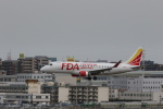 Gpapaさんが、福岡空港で撮影したフジドリームエアラインズ ERJ-170-200 (ERJ-175STD)の航空フォト(飛行機 写真・画像)