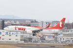 Gpapaさんが、福岡空港で撮影したティーウェイ航空 737-8GQの航空フォト(飛行機 写真・画像)