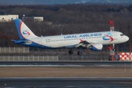 だいすけさんが、新千歳空港で撮影したウラル航空 A320-214の航空フォト(飛行機 写真・画像)