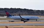 よんすけさんが、成田国際空港で撮影したデルタ航空 767-332/ERの航空フォト(飛行機 写真・画像)