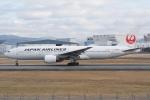 HEATHROWさんが、伊丹空港で撮影した日本航空 777-289の航空フォト(飛行機 写真・画像)