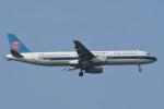 kuro2059さんが、ノイバイ国際空港で撮影した中国南方航空 A321-231の航空フォト(飛行機 写真・画像)