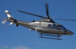 IL-18さんが、東京ヘリポートで撮影した警視庁 A109S Trekkerの航空フォト(飛行機 写真・画像)