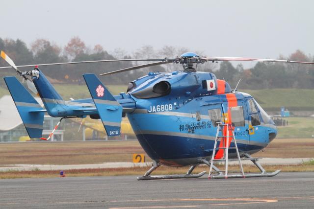 TAK_HND_NRTさんが、高松空港で撮影した和歌山県警察 BK117B-2の航空フォト(飛行機 写真・画像)
