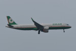 kuro2059さんが、ノイバイ国際空港で撮影したエバー航空 A321-211の航空フォト(飛行機 写真・画像)
