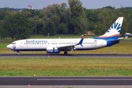 PASSENGERさんが、ベルリン・テーゲル空港で撮影したサンエクスプレス 737-8HCの航空フォト(飛行機 写真・画像)