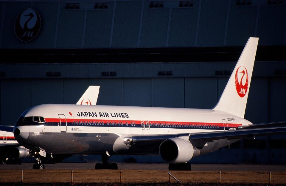 サンドバンクさんの日本航空 Boeing 767-300 (JA8266) 航空フォト