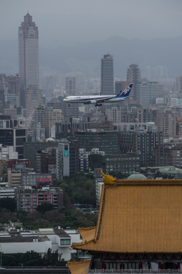 ppuw43さんが、台北松山空港で撮影した全日空 767-381/ERの航空フォト(飛行機 写真・画像)