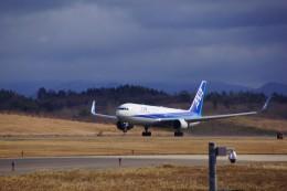 AXTファン210さんが、秋田空港で撮影した全日空 767-381/ERの航空フォト(飛行機 写真・画像)