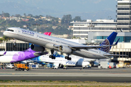 Flankerさんが、ロサンゼルス国際空港で撮影したユナイテッド航空 757-33Nの航空フォト(飛行機 写真・画像)