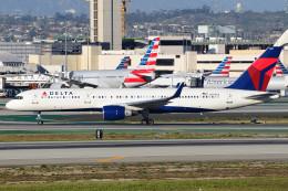 Flankerさんが、ロサンゼルス国際空港で撮影したデルタ航空 757-251の航空フォト(飛行機 写真・画像)