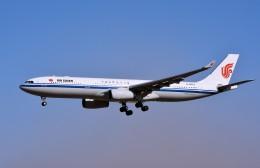 キットカットさんが、成田国際空港で撮影した中国国際航空 A330-343Xの航空フォト(飛行機 写真・画像)