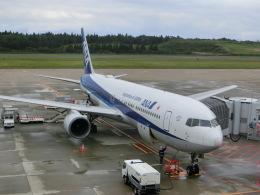 ヒロリンさんが、秋田空港で撮影した全日空 767-381/ERの航空フォト(飛行機 写真・画像)