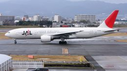 cathay451さんが、伊丹空港で撮影した日本航空 777-246の航空フォト(飛行機 写真・画像)