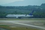 FRTさんが、クアラルンプール国際空港で撮影したエア・アスタナ 767-3KY/ERの航空フォト(飛行機 写真・画像)