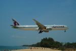 FRTさんが、プーケット国際空港で撮影したカタール航空 777-3DZ/ERの航空フォト(飛行機 写真・画像)
