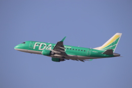 だいすけさんが、福岡空港で撮影したフジドリームエアラインズ ERJ-170-100 SU (ERJ-170SU)の航空フォト(飛行機 写真・画像)
