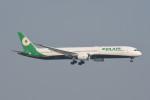 kuro2059さんが、香港国際空港で撮影したエバー航空 787-10の航空フォト(飛行機 写真・画像)