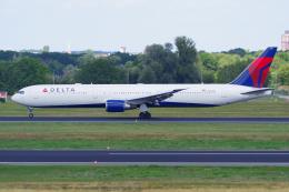 PASSENGERさんが、ベルリン・テーゲル空港で撮影したデルタ航空 767-432/ERの航空フォト(飛行機 写真・画像)