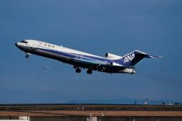 トロピカルさんが、羽田空港で撮影した全日空 727-281/Advの航空フォト(飛行機 写真・画像)