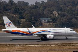 航空フォト:9N-ALM ヒマラヤ・エアラインズ A320