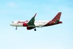 OMAさんが、シンガポール・チャンギ国際空港で撮影したバティク・エア A320-214の航空フォト(飛行機 写真・画像)
