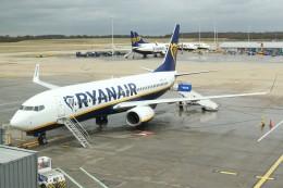 BTYUTAさんが、ロンドン・スタンステッド空港で撮影したライアンエア 737-8ASの航空フォト(飛行機 写真・画像)