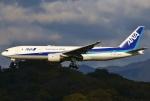 あしゅーさんが、福岡空港で撮影した全日空 777-281/ERの航空フォト(飛行機 写真・画像)