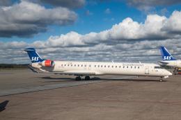 delawakaさんが、ストックホルム・アーランダ空港で撮影したスカンジナビア航空 CL-600-2D24 Regional Jet CRJ-900LRの航空フォト(飛行機 写真・画像)