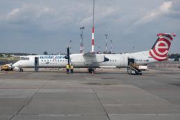 delawakaさんが、ワルシャワ・フレデリック・ショパン空港で撮影したユーロロット DHC-8-402Q Dash 8の航空フォト(飛行機 写真・画像)