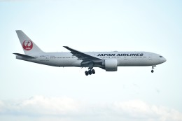 N.tomoさんが、羽田空港で撮影した日本航空 777-246/ERの航空フォト(飛行機 写真・画像)
