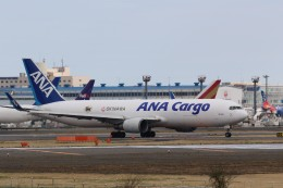 Tango Alphaさんが、成田国際空港で撮影した全日空 767-316F/ERの航空フォト(飛行機 写真・画像)