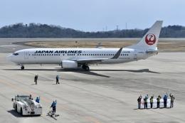 東亜国内航空さんが、岡山空港で撮影した日本航空 737-846の航空フォト(飛行機 写真・画像)