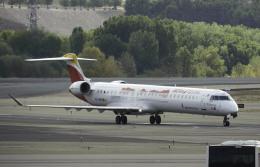 planetさんが、マドリード・バラハス国際空港で撮影したエア・ノーストラム CL-600-2E25 Regional Jet CRJ-1000の航空フォト(飛行機 写真・画像)