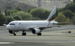 planetさんが、マドリード・バラハス国際空港で撮影したブルガリア航空 A319-112の航空フォト(飛行機 写真・画像)