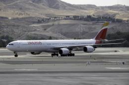 planetさんが、マドリード・バラハス国際空港で撮影したイベリア航空 A340-642の航空フォト(飛行機 写真・画像)